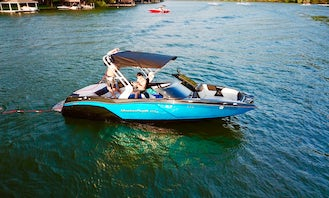 New Mastercraft Nxt 22 Wakeboat with Professional Captain in Austin