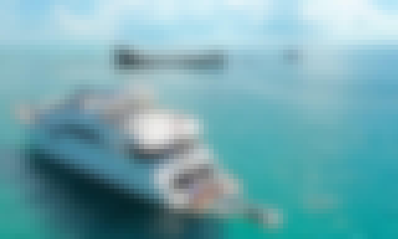 Charter this Huge 100' Azimut Mega Yacht / Jet Ski + Jacuzzi included! Miami, FL