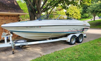 Rinker Captiva 209 for Piloted Charter on Lake Ray Hubbard in Rockwall, Texas