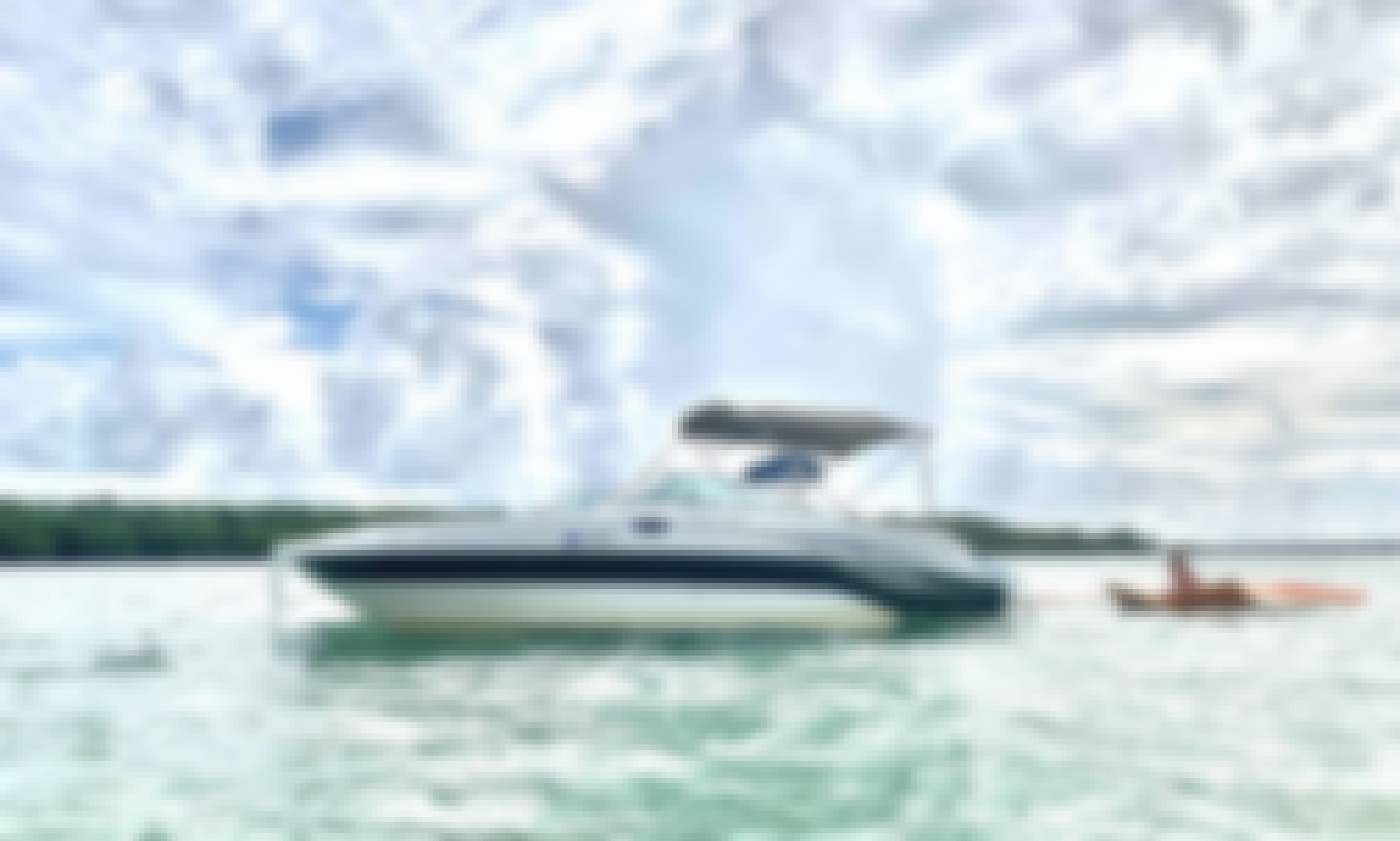 26' Sea Ray 240 Sundeck Sport in Miami and Fort Lauderdale