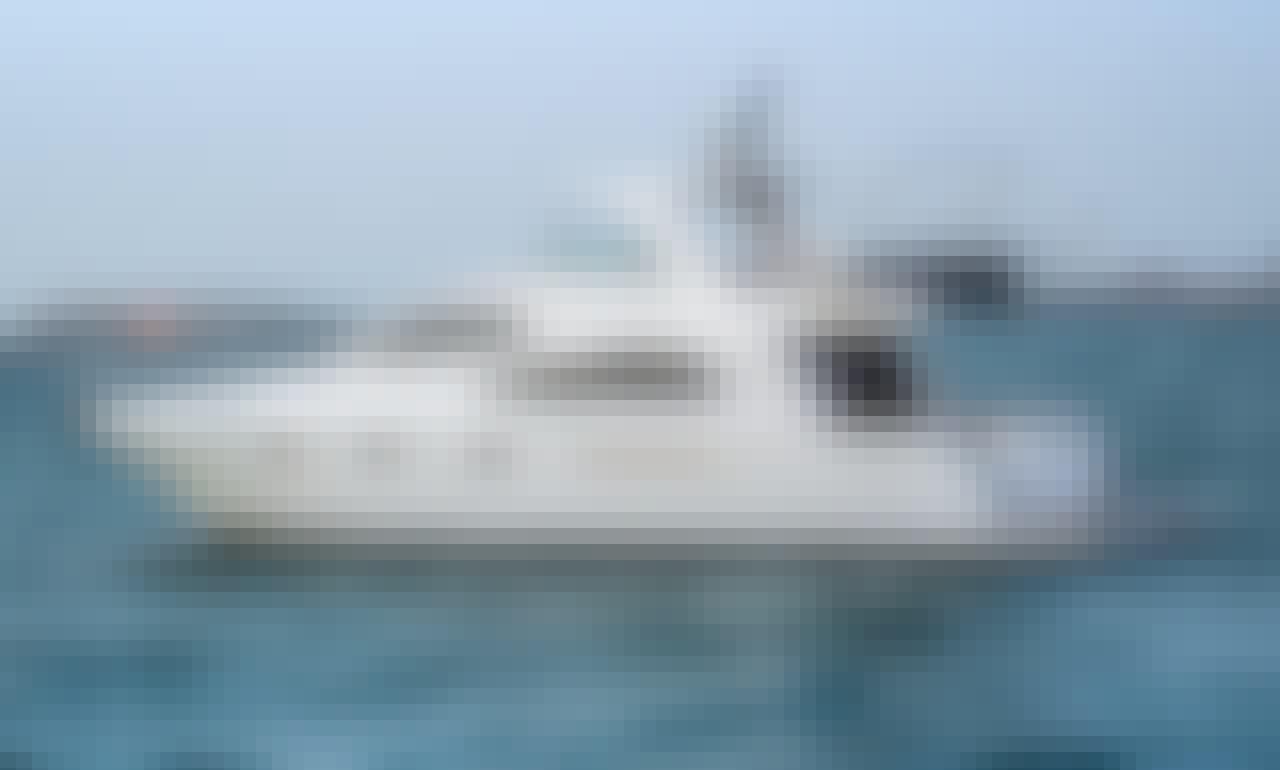 Luxurious 60ft Yacht in Dubai- Best Cruise Experience