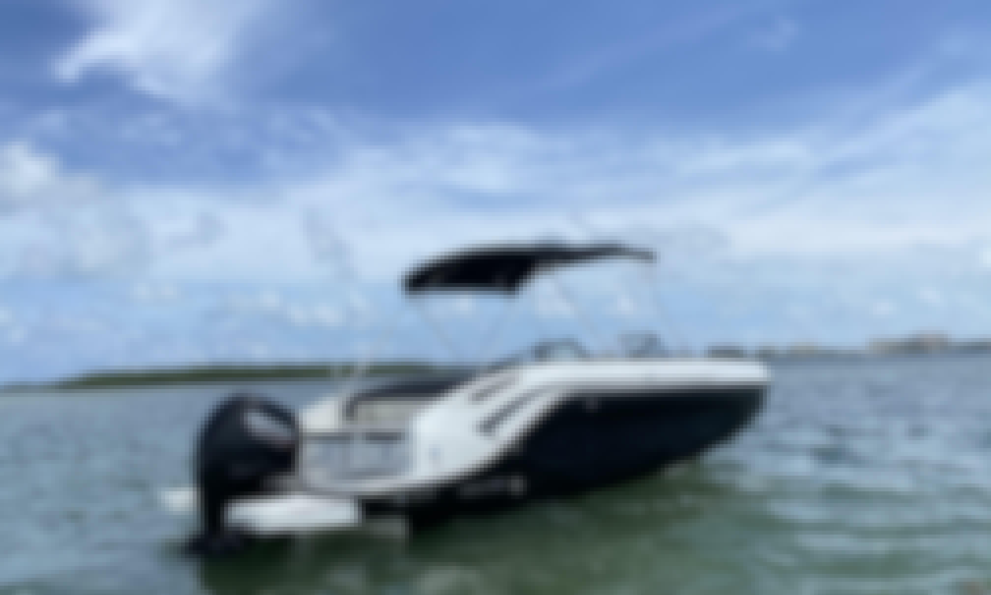 """Bayliner DX2200 """"Sur"""" Brandnew Boat for Rent in Key Biscayne, Florida!"""