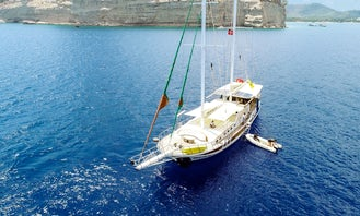 Charter 86' Helin Sultan Deluxe Gulet with A.C in Turkey