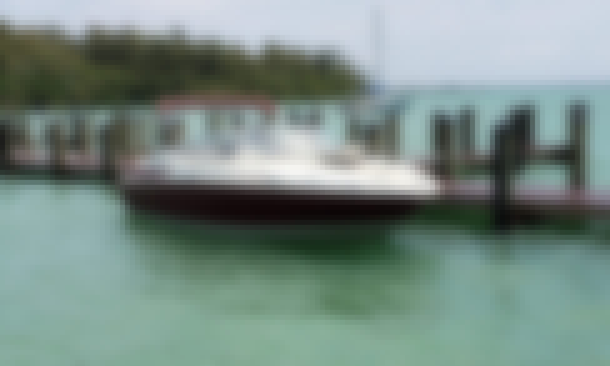 Memories for a lifetime! Rent this Deck Boat for 8 People in St. Pete!