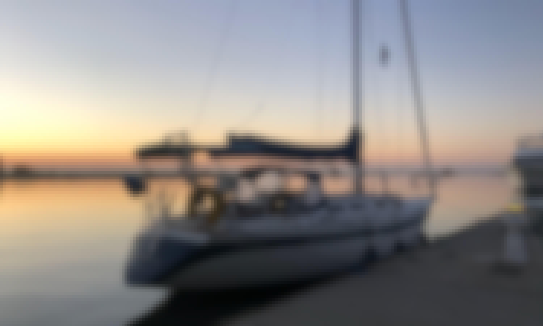 Luxury Yacht Sailing in Long Beach, California