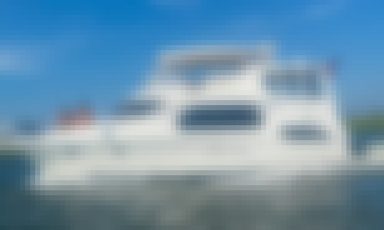 Silverton 43 Motor Yacht Rental in Long Beach, New York Up to 6 Passengers Max