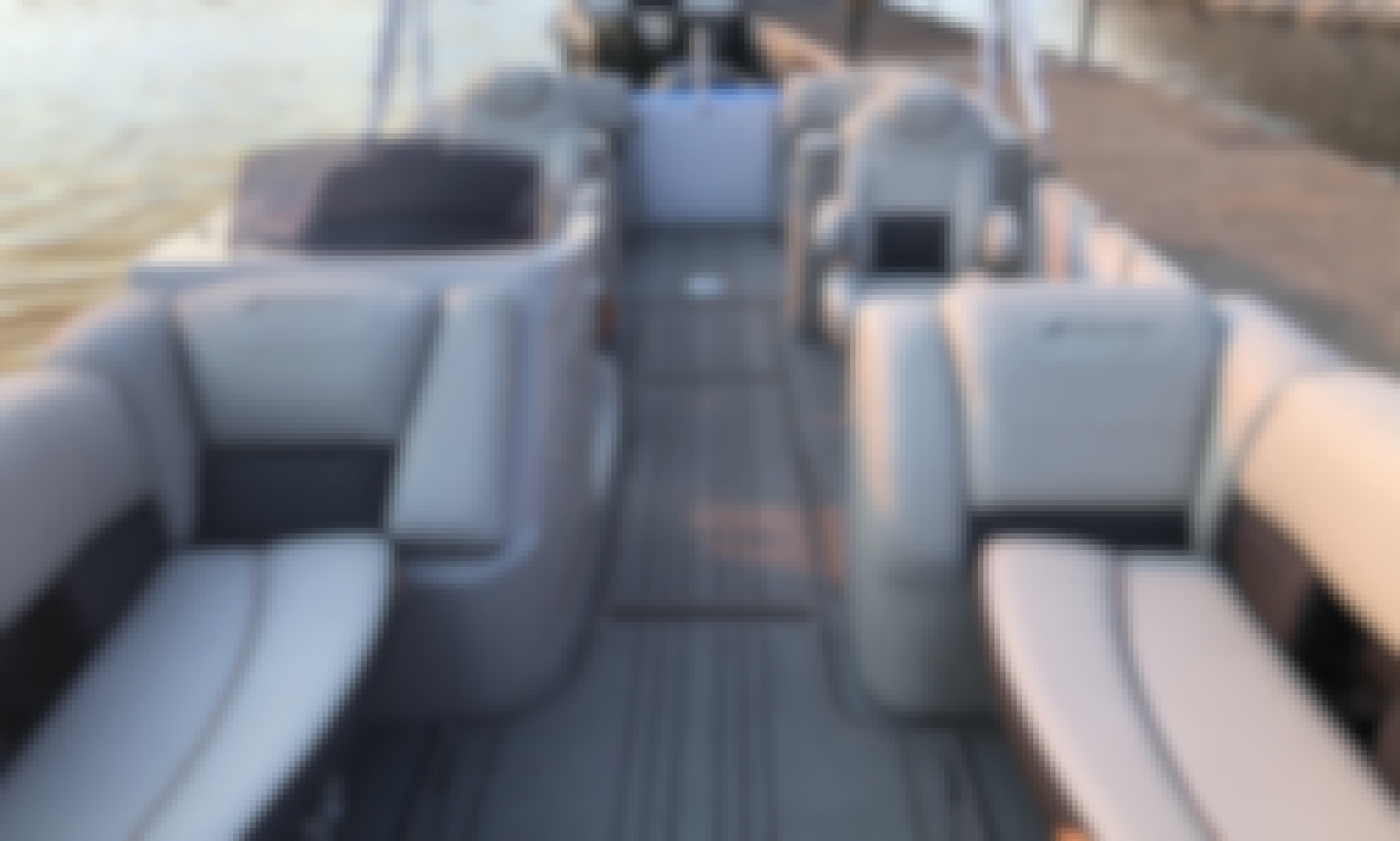 26' Starcraft Tri-Toon on Beautiful Lake Pleasant, Arizona!!