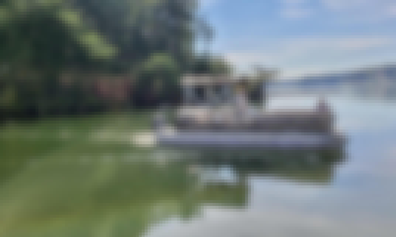 Classic Pontoon Boat For Rent - Lake Lanier, Gainesville, GA