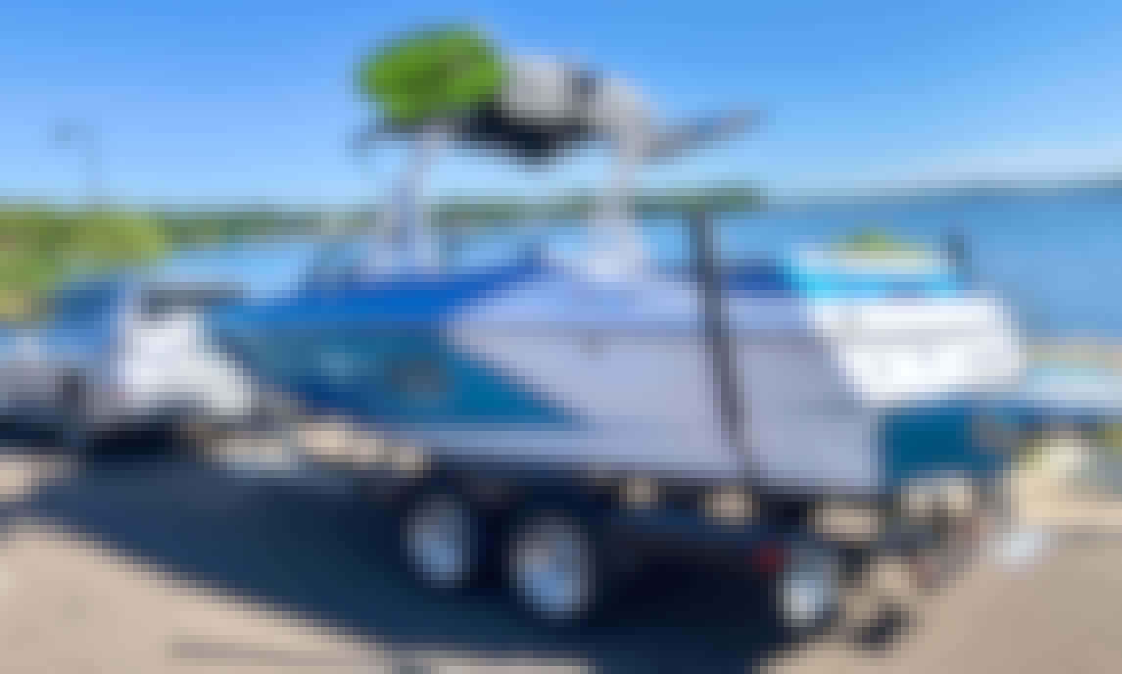 Stylish Axis A22 Wake Surf Boat in Lake Havasu City!