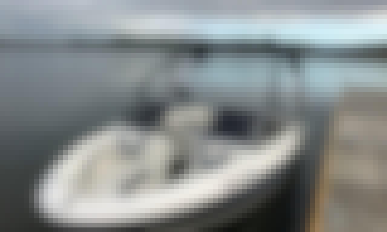9 Passenger Boat Rental, Bass Lake CA