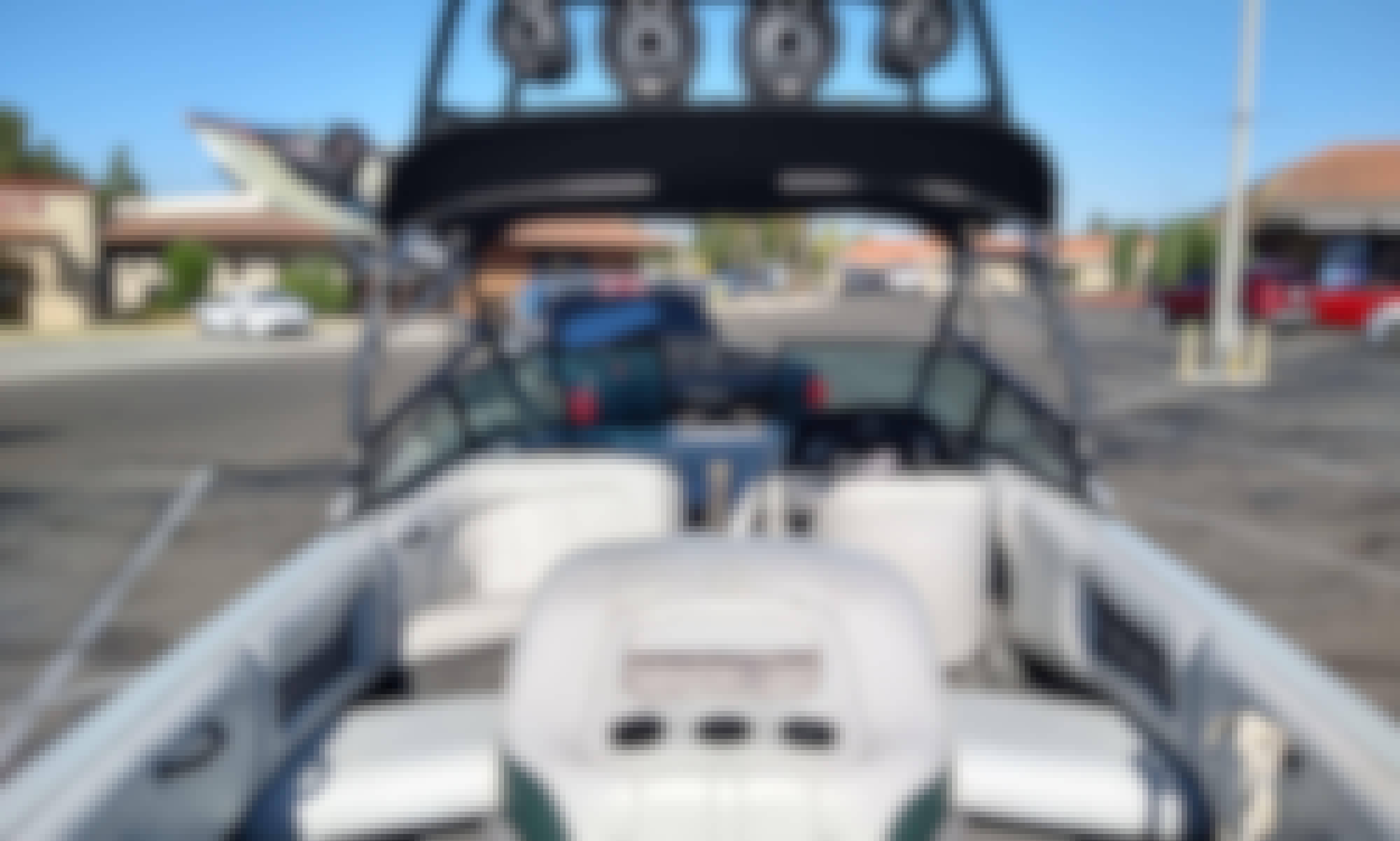 Calabria Cal-Air V-drive Wakesurf Boat on Canyon Lake