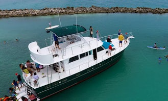 53' Hatteras Private Yacht in Tulum