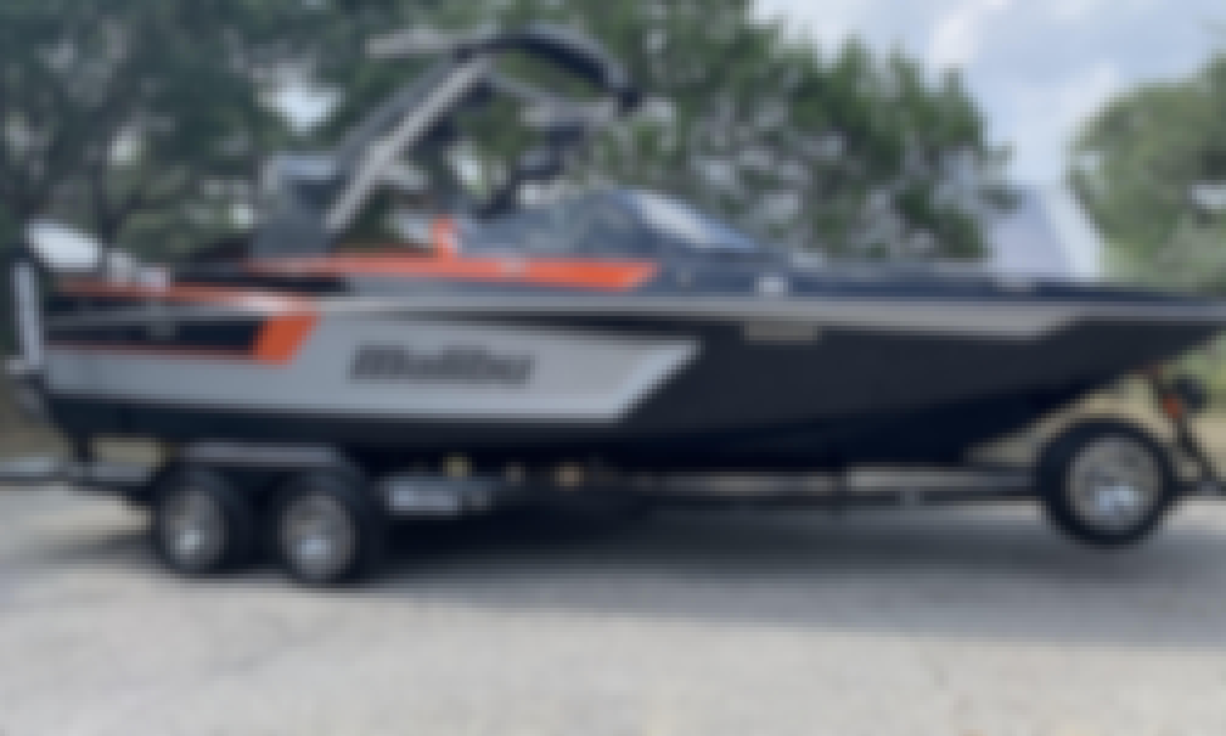 2020 MXZ Malibu WakeSurf Boat in Lake Austin, Texas