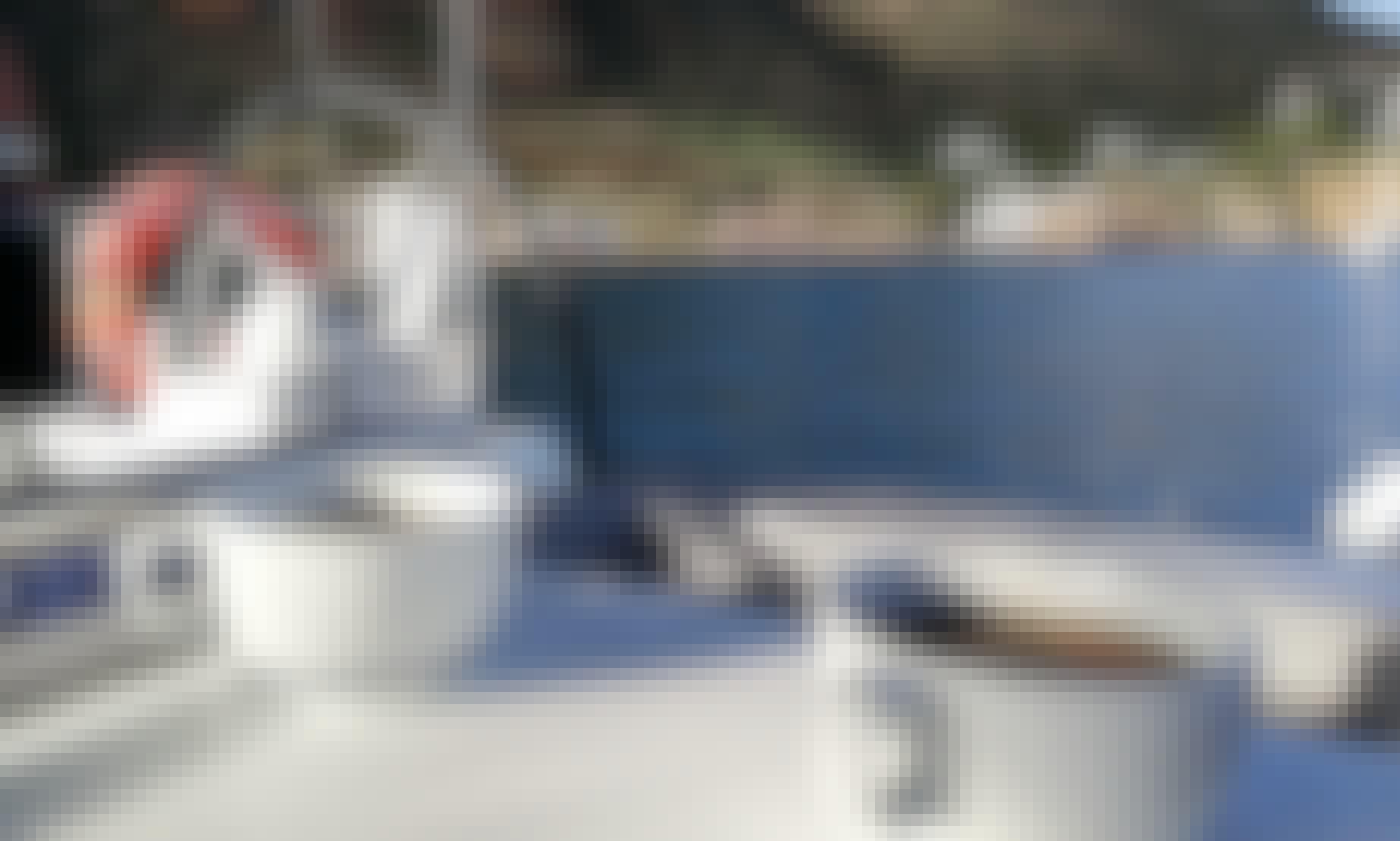 Oceanis 38 Sailing Yacht in Portorosa, Sicily