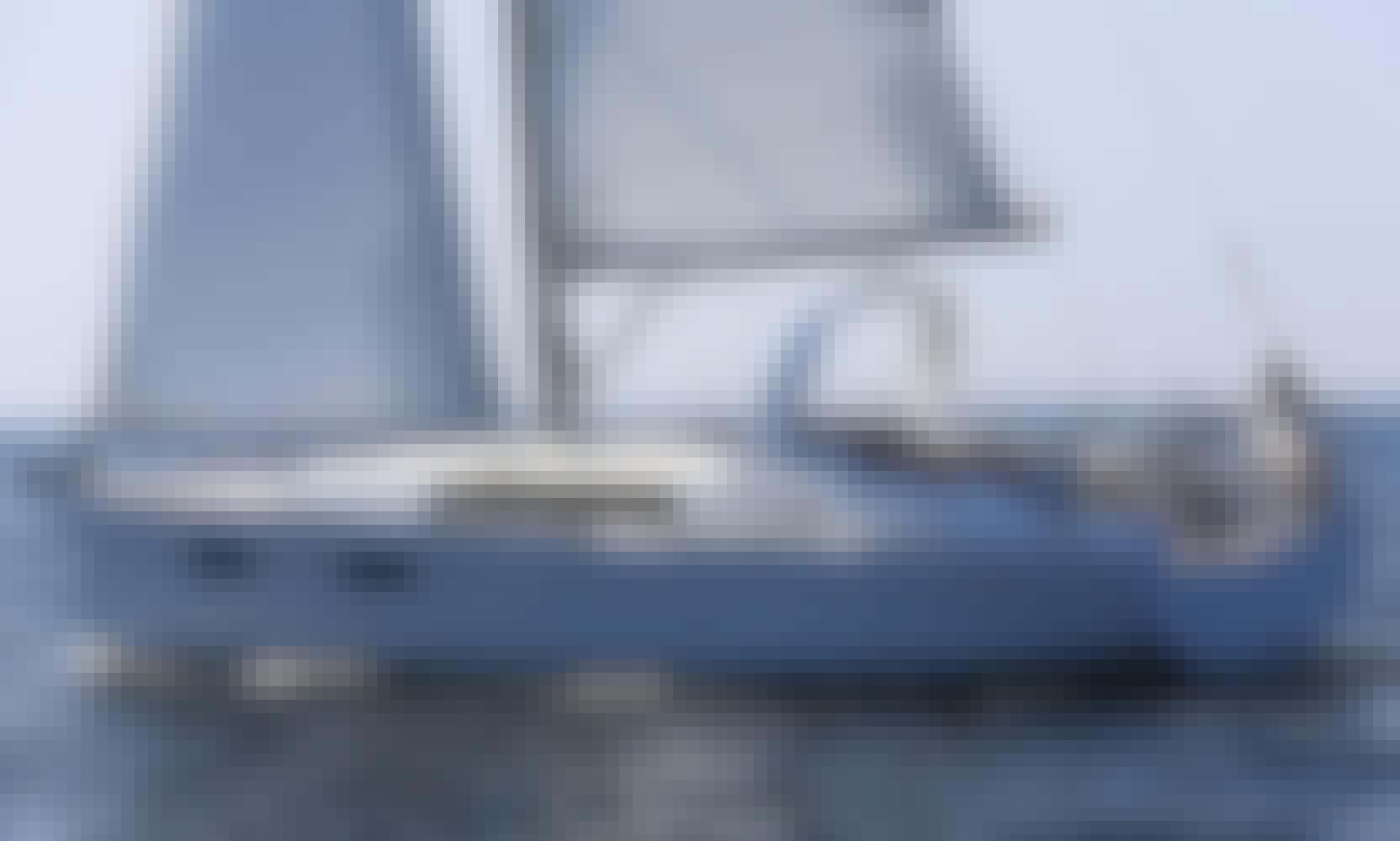 Oceanis 35 Sailing Yacht in Portorosa, Sicily