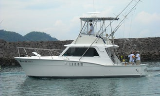 36' Hatteras Sport Fishing Boat for Charter in Jaco, Costa Rica