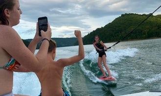 Malibu Wakesetter 22MXZ Wakeboarding & Wakesurfing on Norris Lake