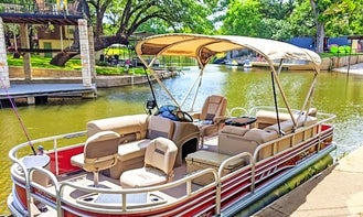 Brand New 2020 Sun Tracker Pontoon Rental in Canyon Lake, Texas