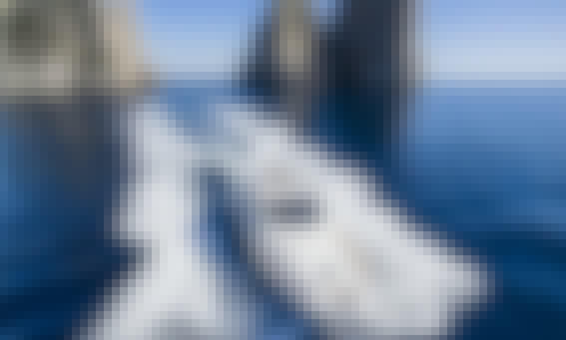 Motor Yacht Klase 50 in Sorrento, Italy