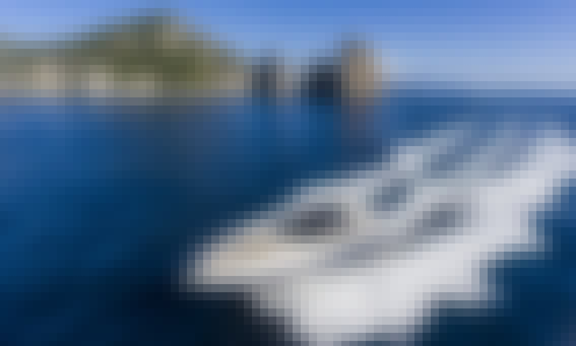 Motor Yacht Azimut Atlantis 55 in Sorrento, Italy