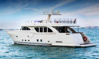 Luxurious & Glamorous 90Ft Yacht in Dubai-Your best choice