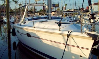 Charter 43ft 'Tranquility' Hunter Sailing Yacht In Kemah, Texas