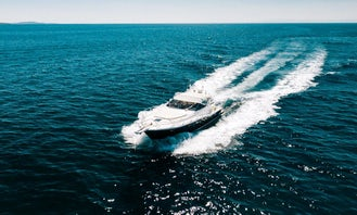 Feel the speed of this motorboat flying over the waves
