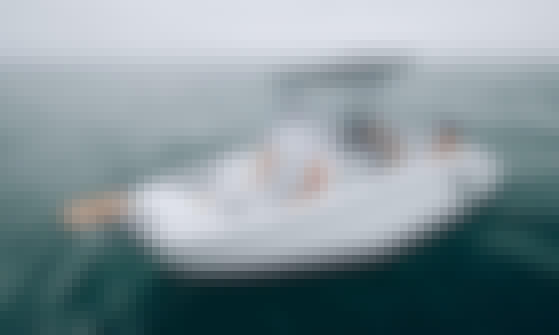2021 Beneteau Flyer 7 Spacedeck Powerboat in Cambrils, Catalunya!