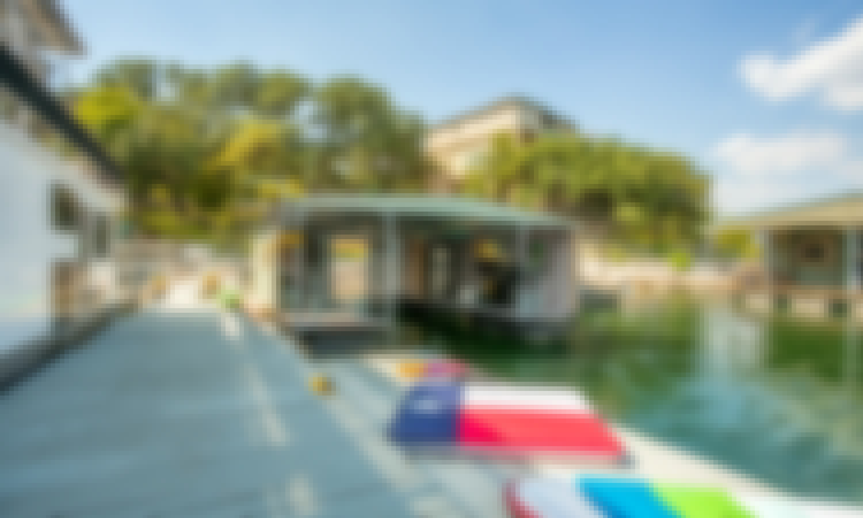 Bentley Pontoon Boat/Houseboat on Beautiful Lake Travis