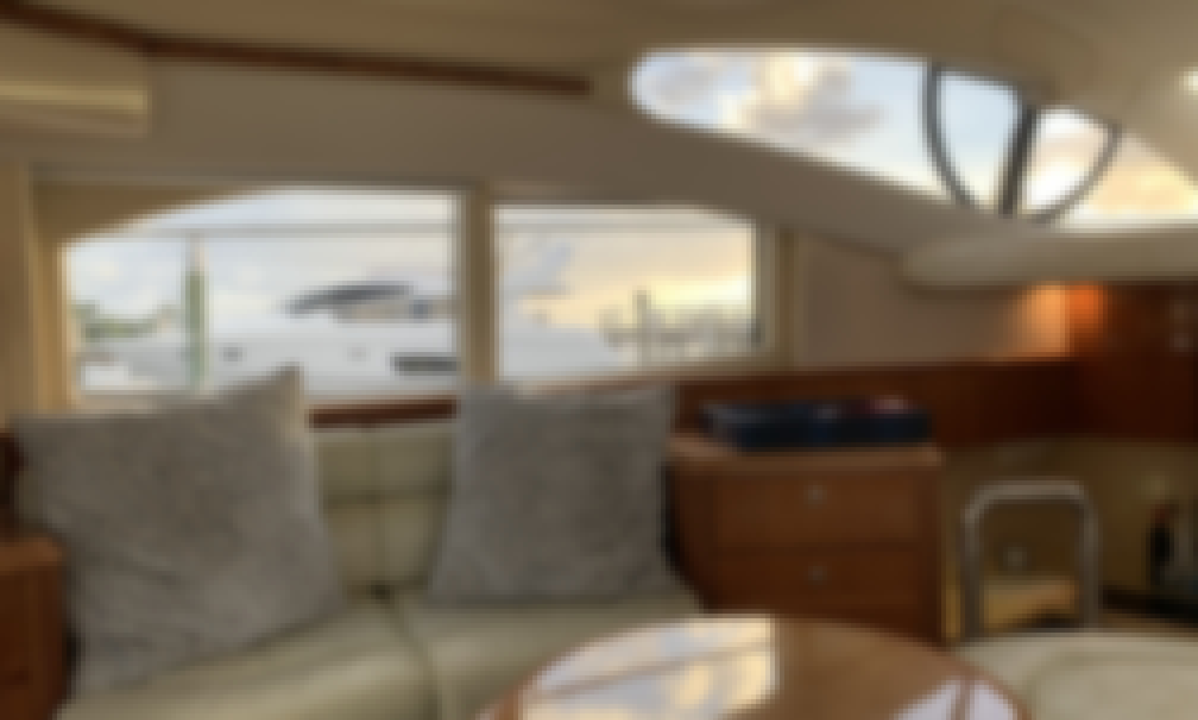42' Azimut Flybridge for Charter in Lantana, Flordia