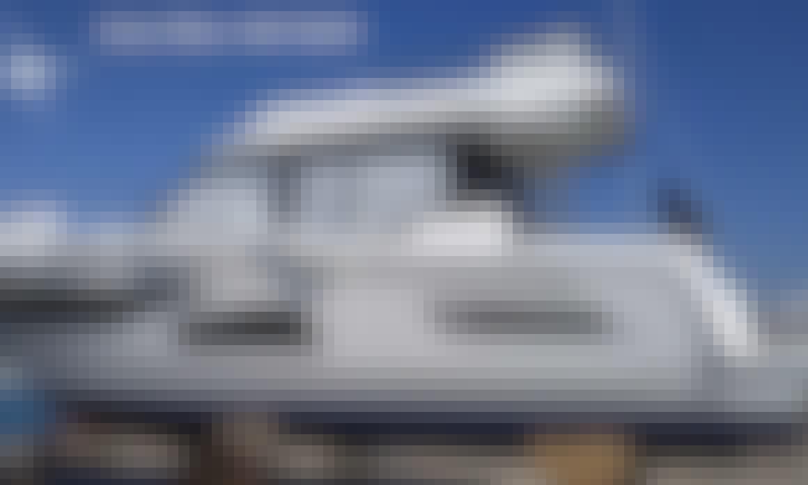 Merry Fisher 1095 FLY/2020 Motor Yacht for Charter in Sukošan, Croatia