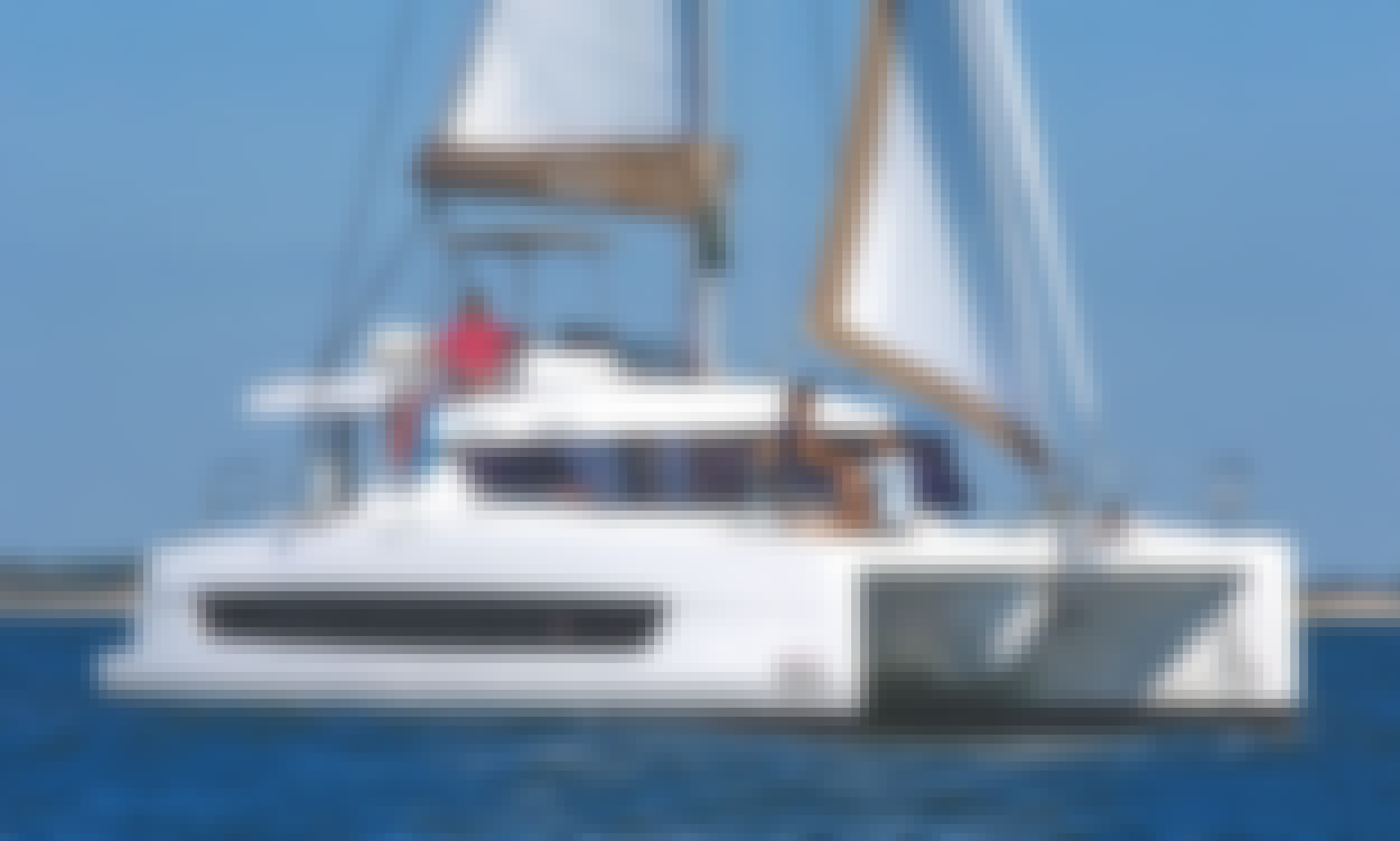 40 ft Bali Catspace Bareboat Charter for 10 Guests in Alimos, Greece