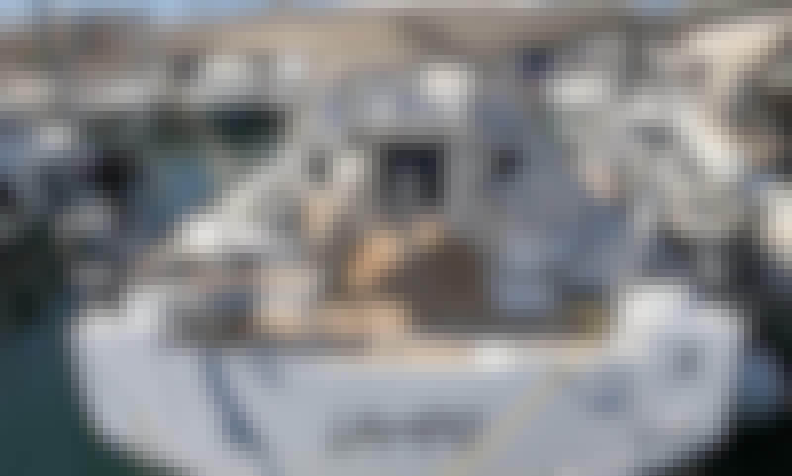 "Charter 38ft ""Lampo"" Oceanis 38.1 Sailing monohull In Nettuno, Italy"