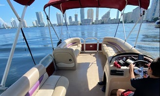 Sun Tracker Pontoon for Rent in Hollywood
