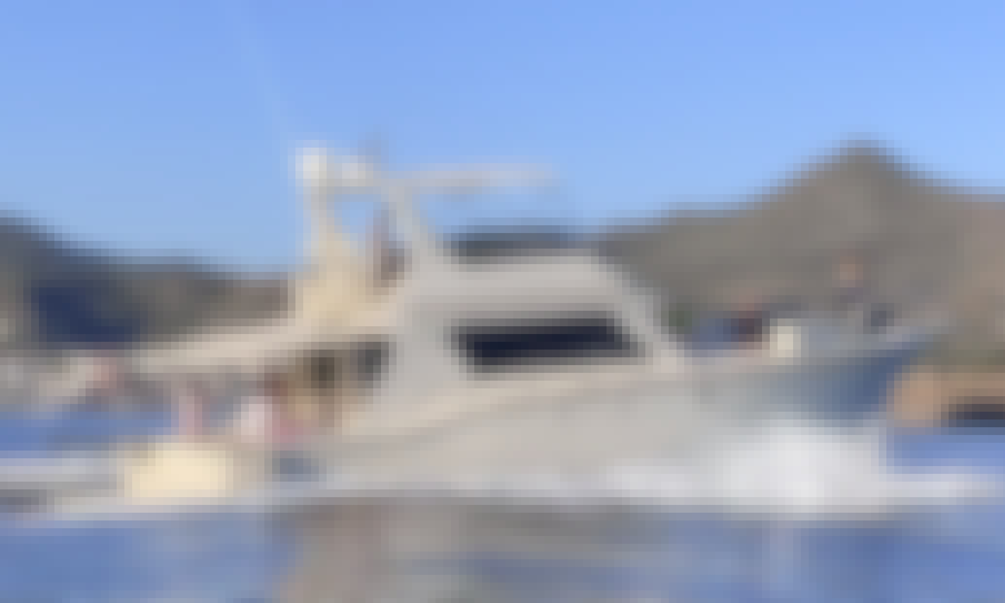 Hatteras 52 Convertible Motor Yacht for Charter and Daily trips