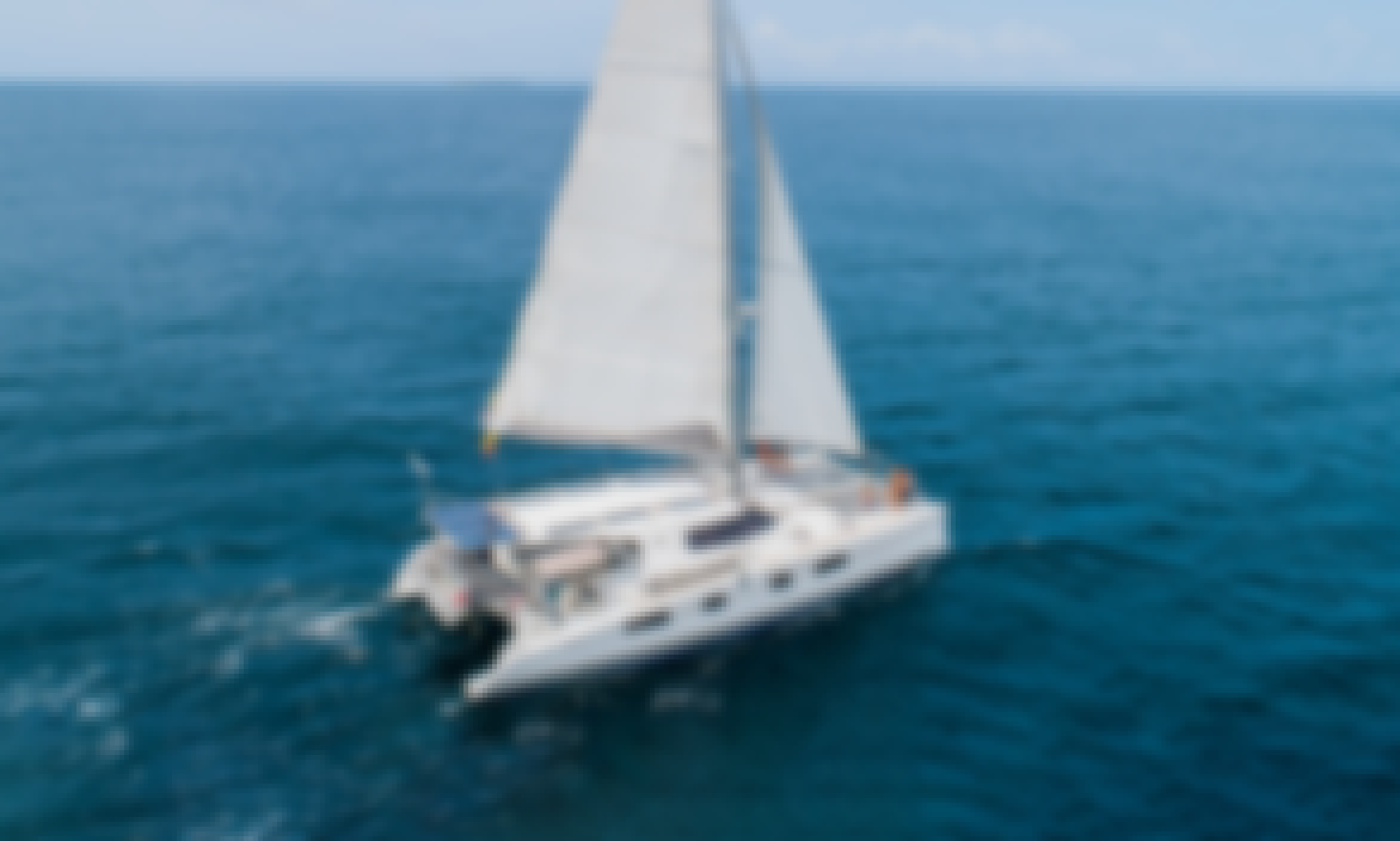 Get onboard on our beautiful 48' Sailing Catamaran in Cartagena, Bolívar