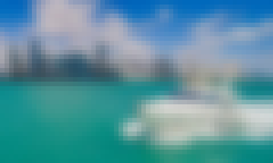 Classy & Comfortable – 55′ Azimut For Charter in Miami