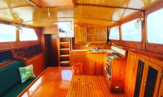 FALL DISCOUNT & Champagne! 50 ft Sail Yacht Calypso - Young & Fun Crew :)