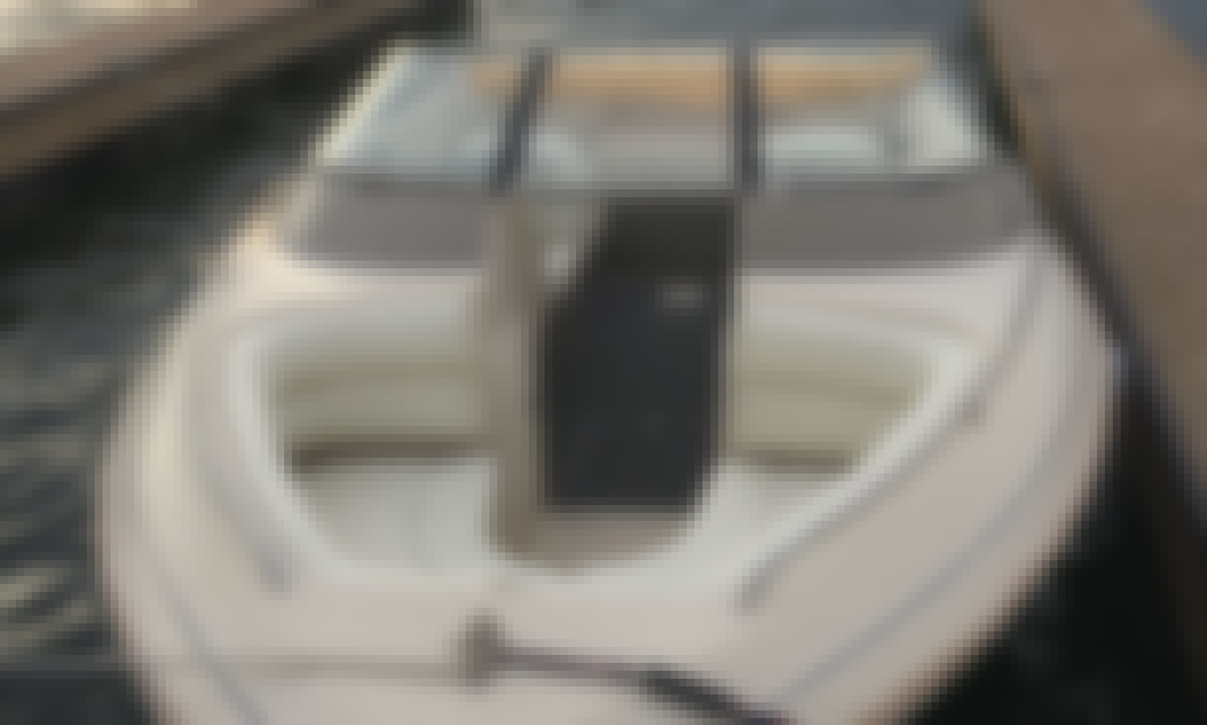 Rent this User Friendly Donzi Medallion 212 Powerboat in Phoenix