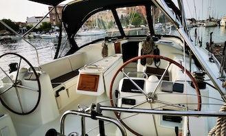 Beneteau Oceanis Cyclades 393 in Taranto