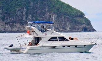 40' Luxury Yacht Tour in Quepos / Manuel Antonio