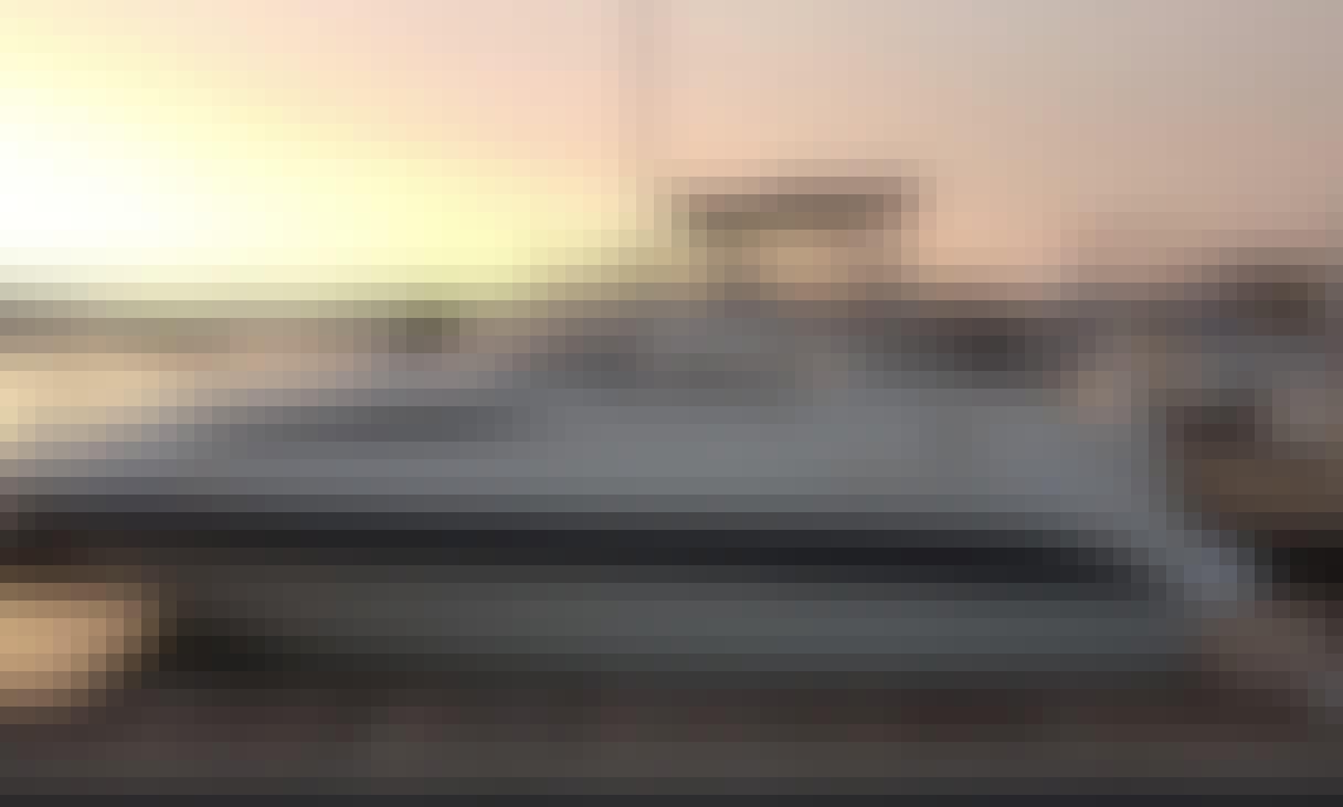 28 ft Bayliner power boat Yacht in Las Vegas, Nevada