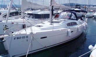 Spend a few days aboard our spacious 4 cabin Sailingboat - with/without captain