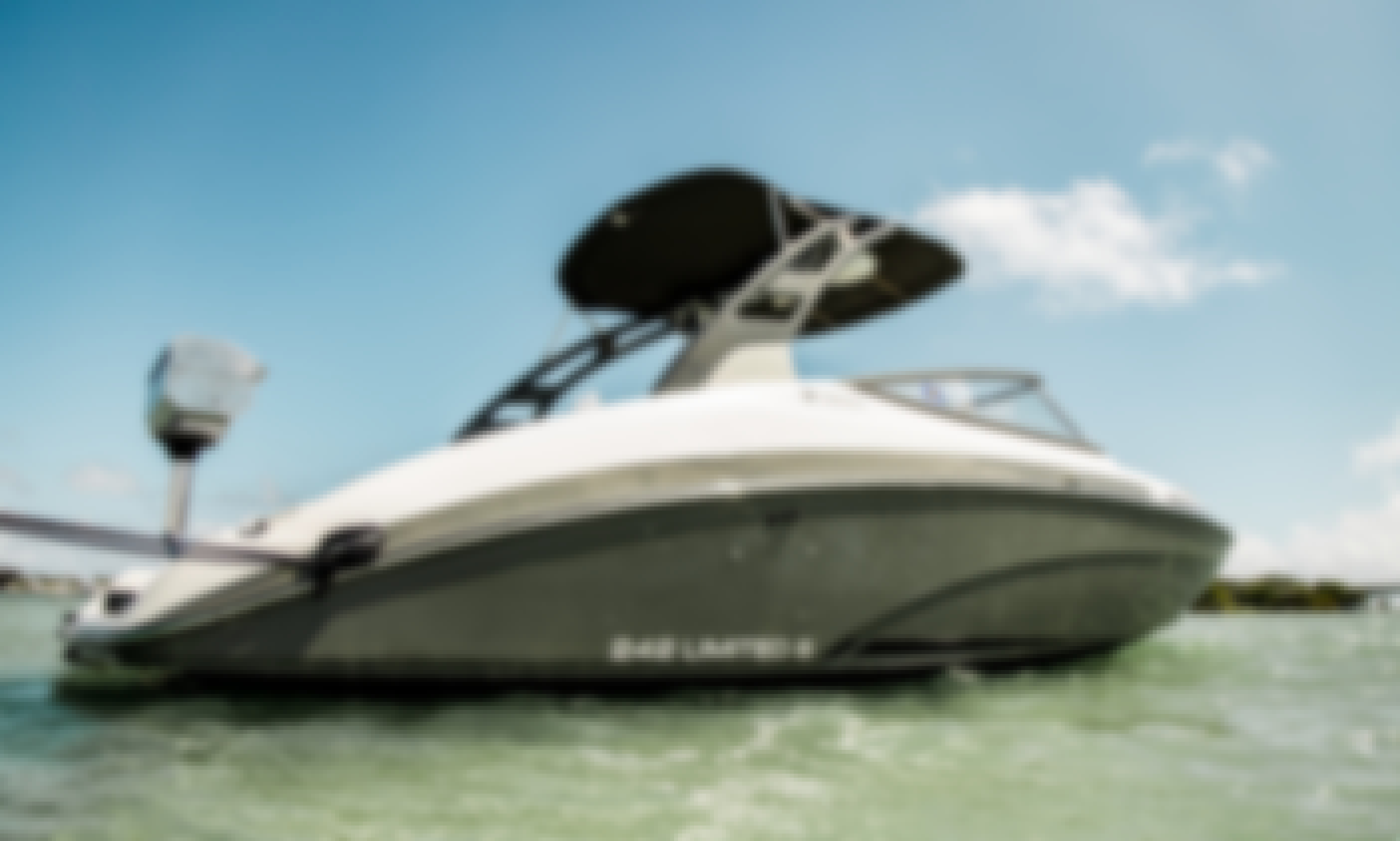 Yamaha 242 Limited Powerboat in Miami Beach