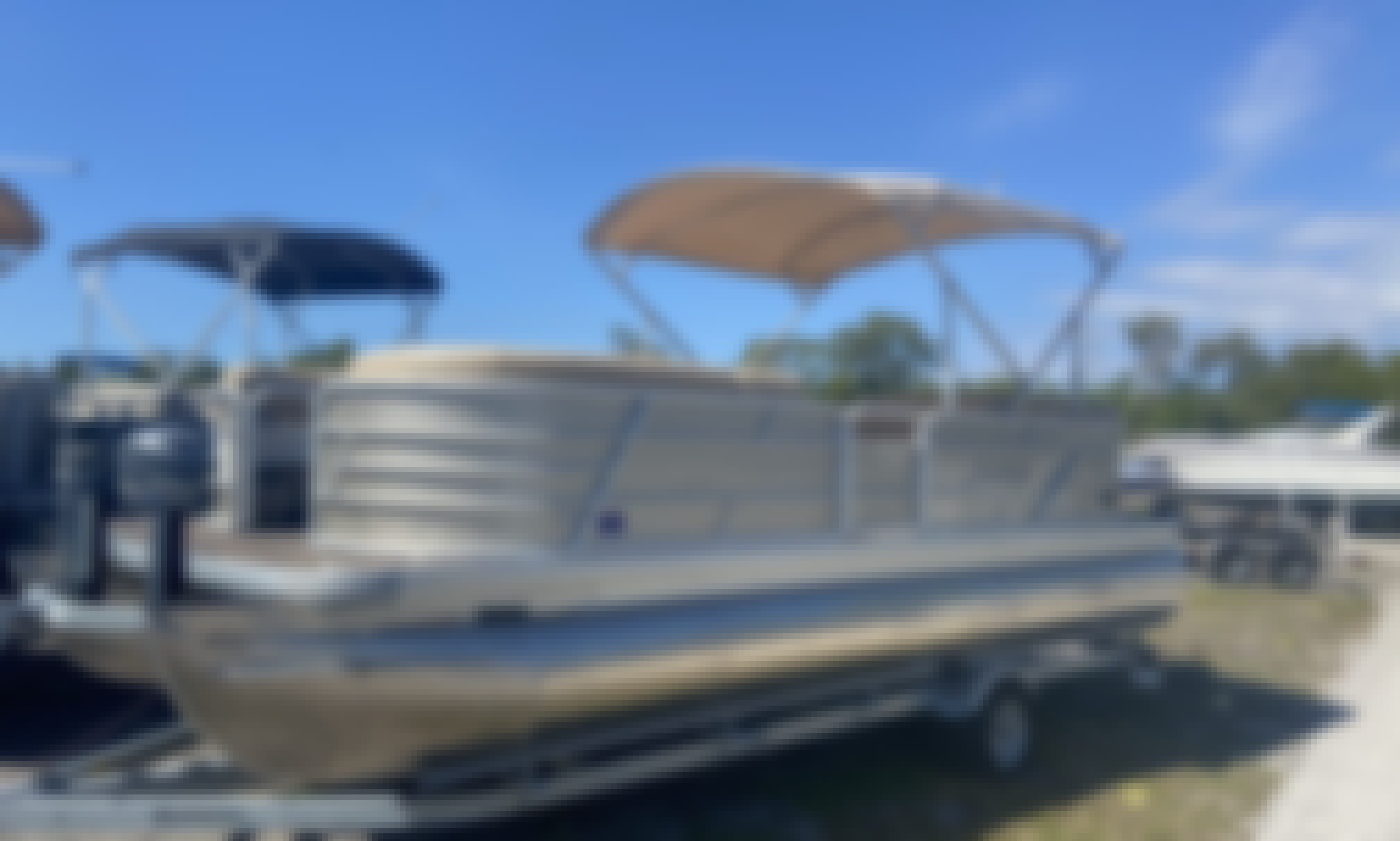 22' Pontoon Boat on Tampa Bay