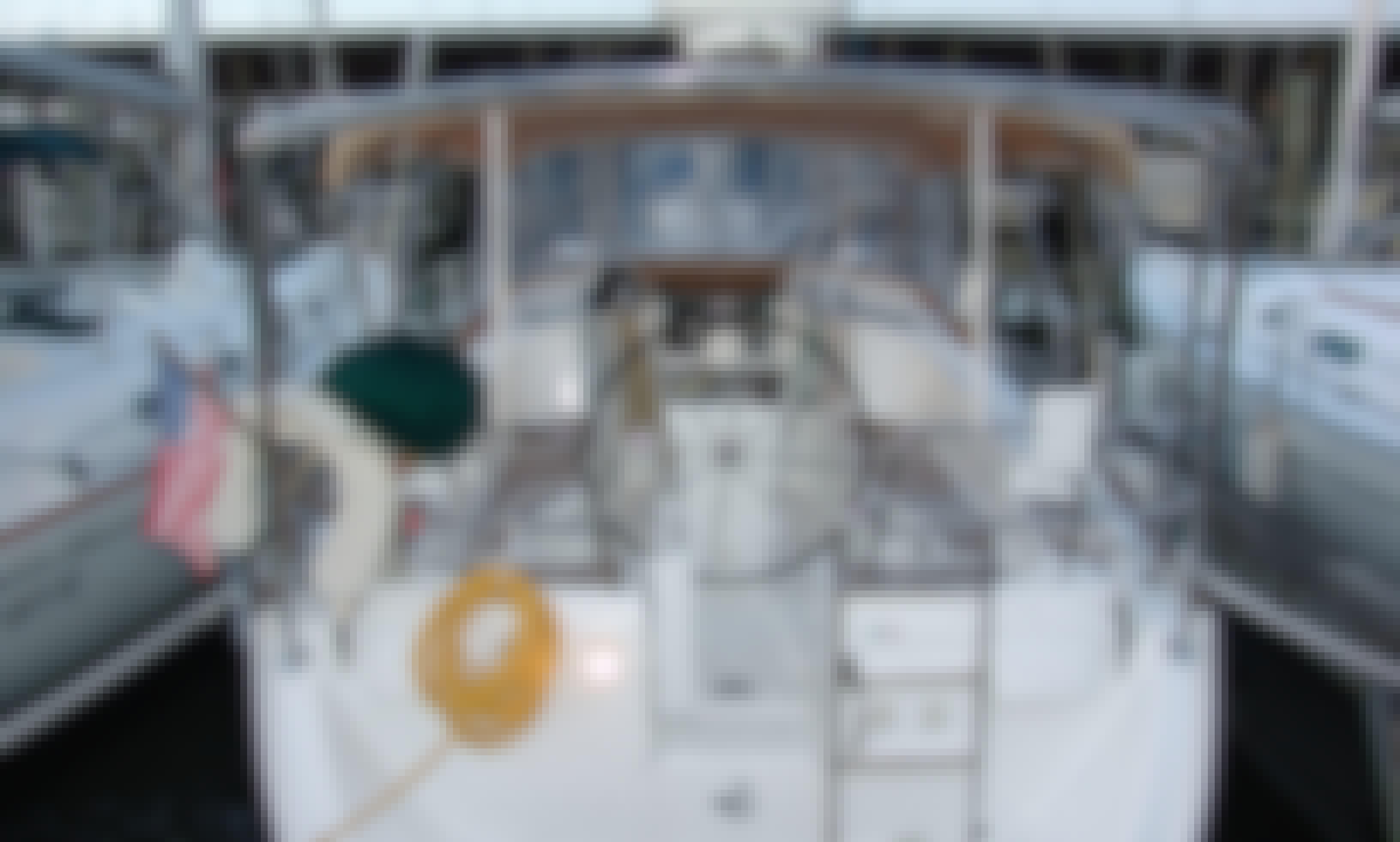 Classic Beneteau 423 Sailboat for Bristol & Beyond Sail