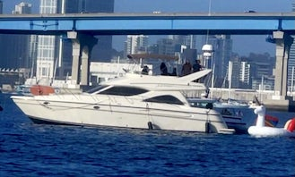 46' Maxum up to 12 guests as LOW as $300/hour - Water toys included: Snorkels, Paddle board
