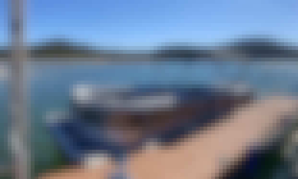 Elite Bentley Pontoon in Lake Travis, TX