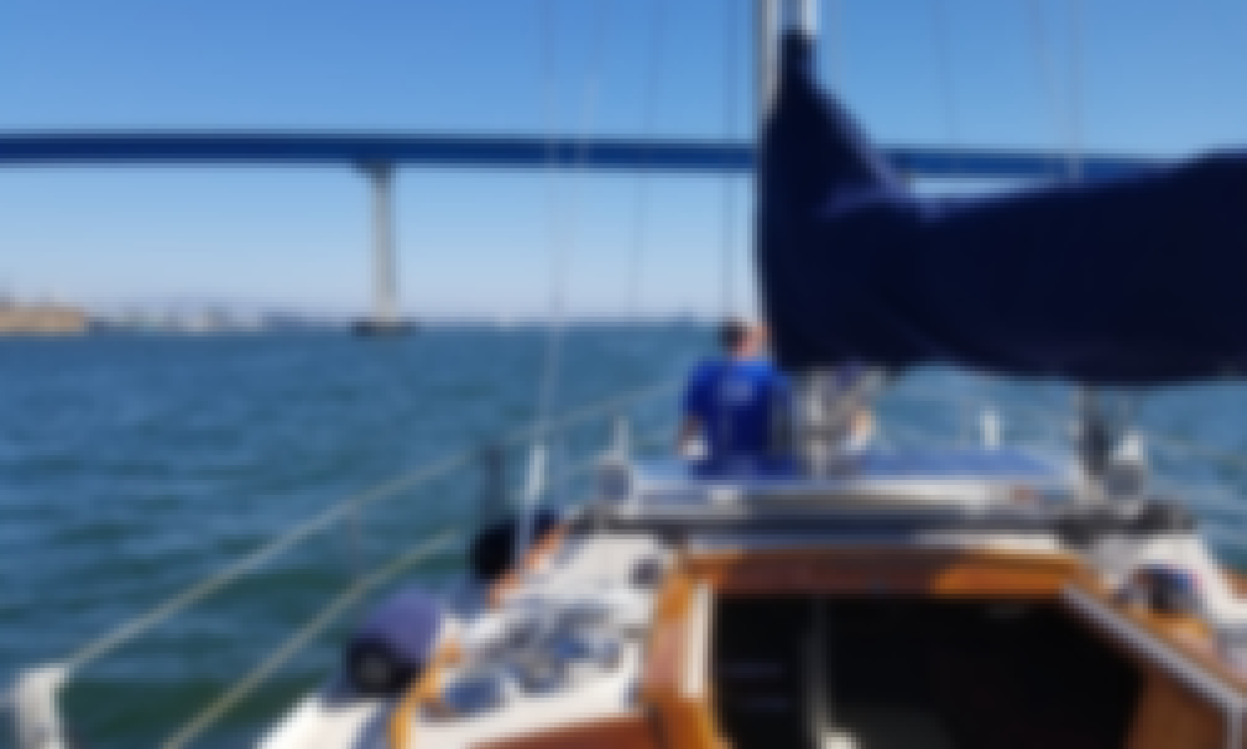 Catalina 34' Sailing tours and lessons in San Diego!!