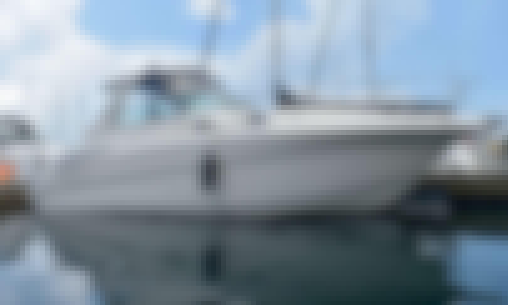 Charter 31' Monterey Yacht In Chicago